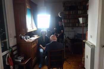 Im Scheinwerferlicht: Marco d'Eramo mit Regisseurin Nico Weber und Kameramann Marc Nordbruch. © NOW Collective / Jörg Leine.